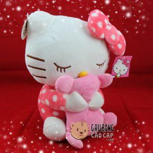 Hello Kitty ôm gấu