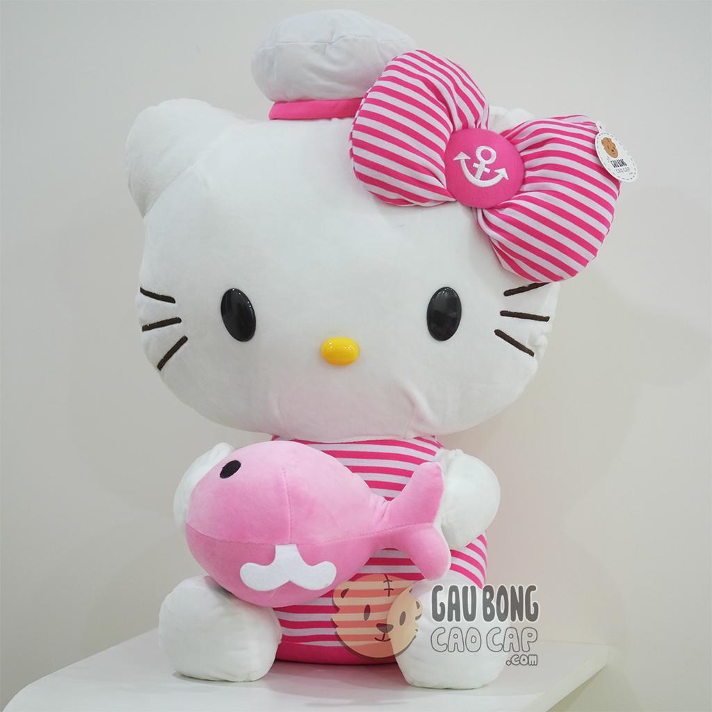 Hello Kitty ôm cá