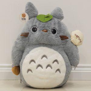 Totoro lông tơ đút tay