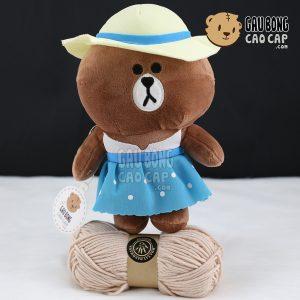 Gấu Brown mặc đầm