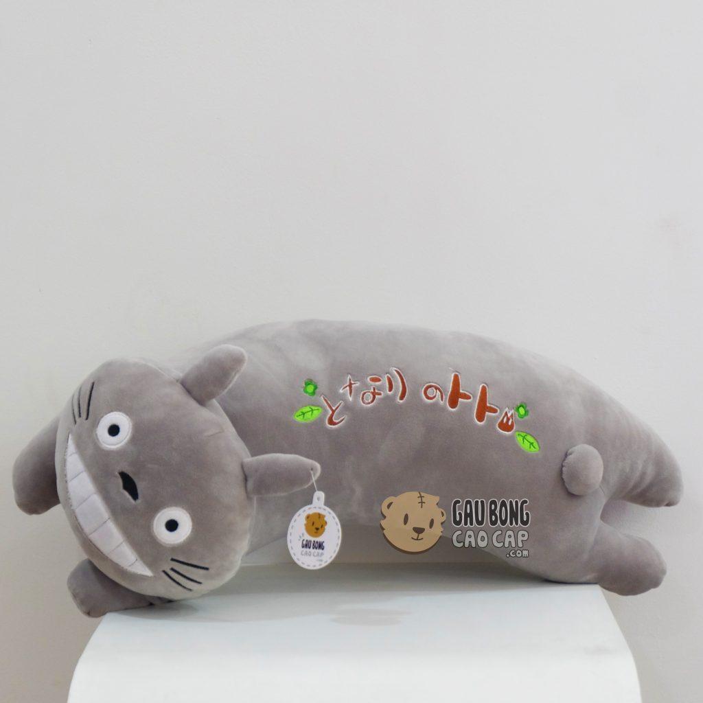 Gối ôm cong Totoro
