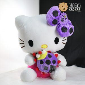 Gấu Bông Kitty ôm bọ