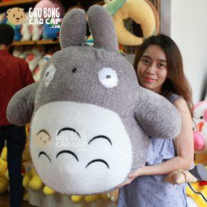 Gấu Bông Totoro lông xù cầm  bánh Ú