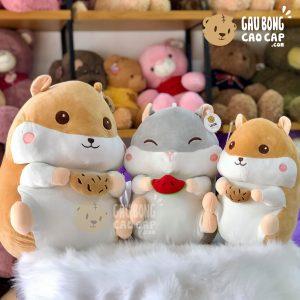 Chuột Bông Hamster lông mịn cầm đồ ăn