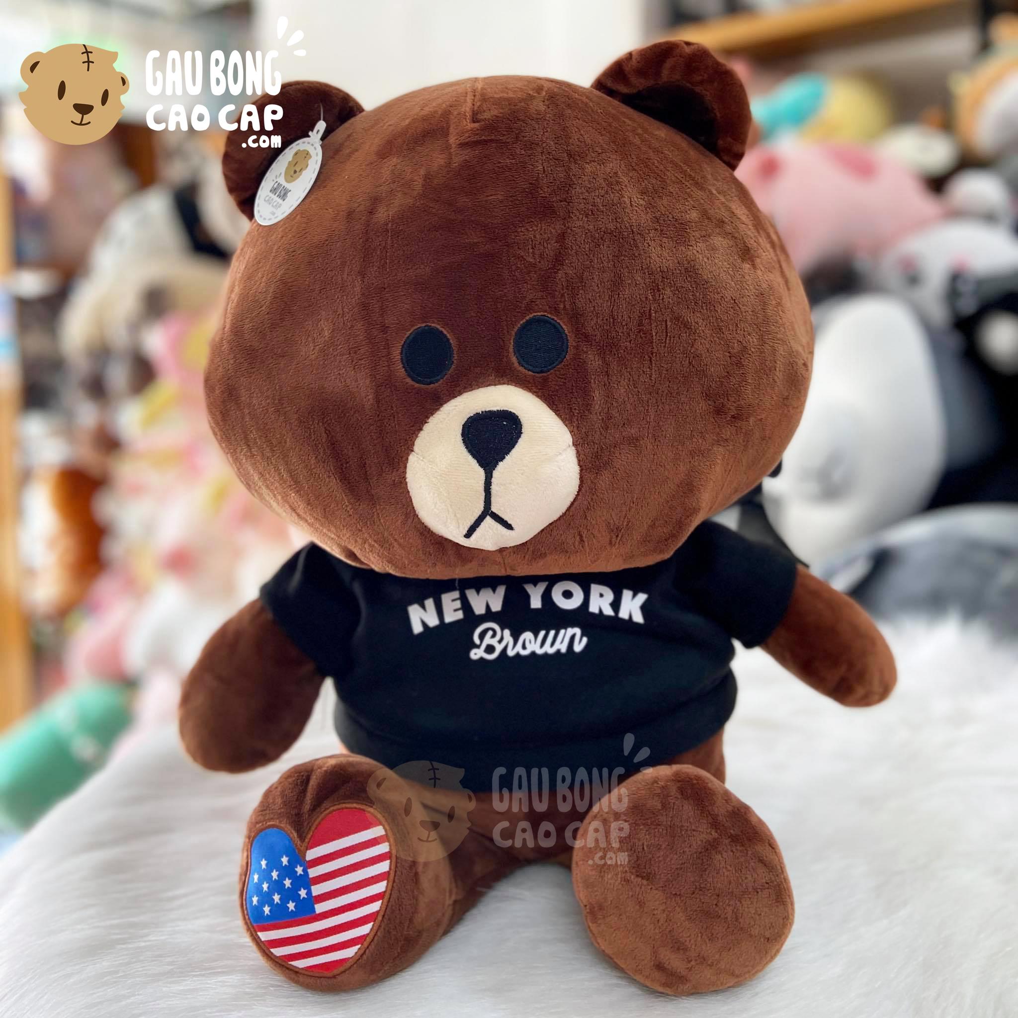 Gấu Brown mặc áo thun New York