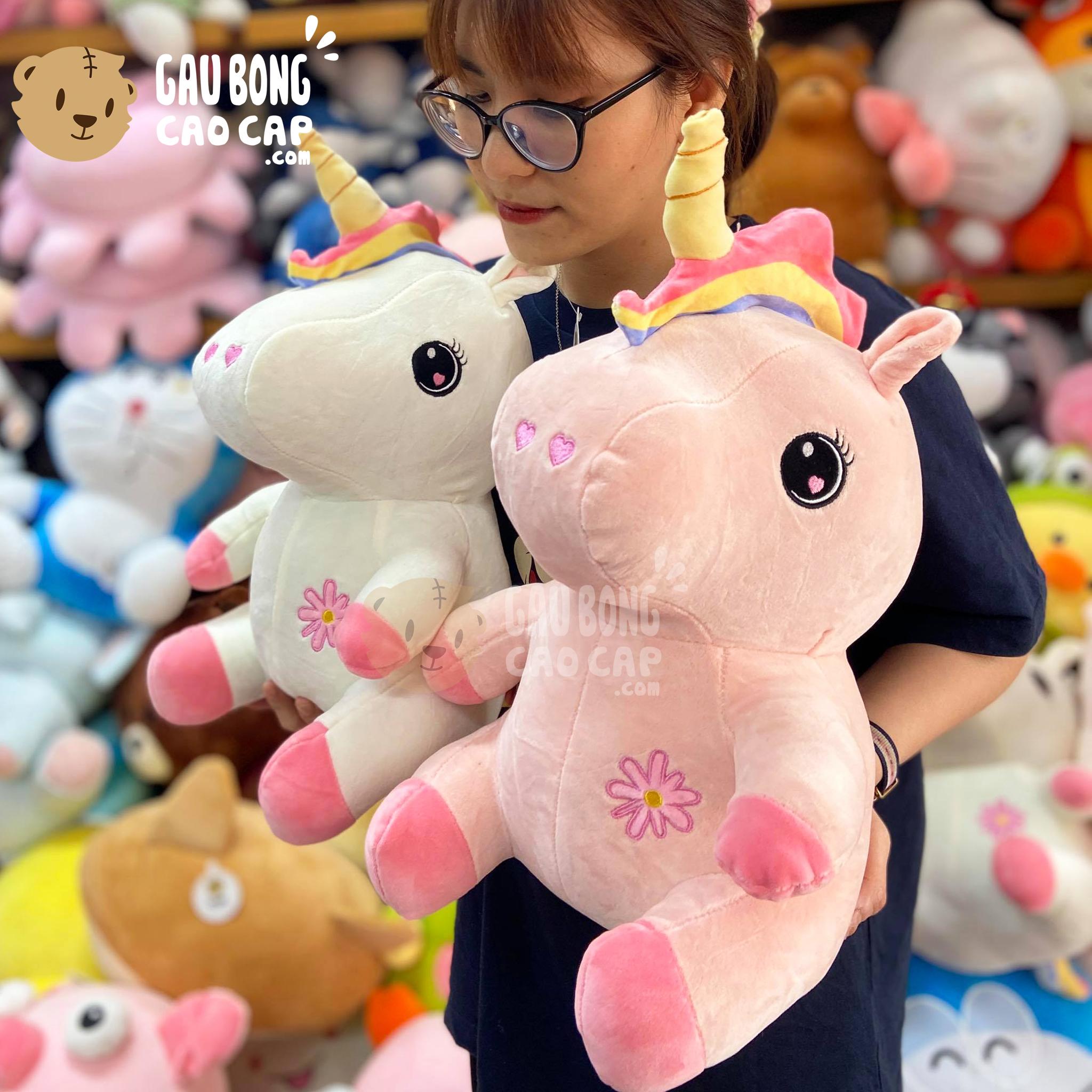 Gấu Bông Unicorn ngồi bụng Thêu Hoa